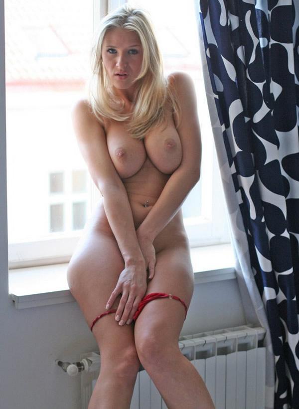 image Casting porno amateur con una jovencita pelirroja
